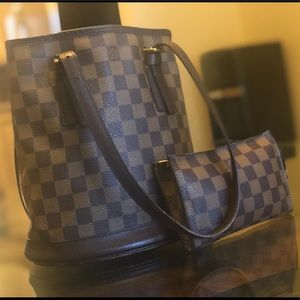 Louis Vuitton Damier with Accessory Pochette